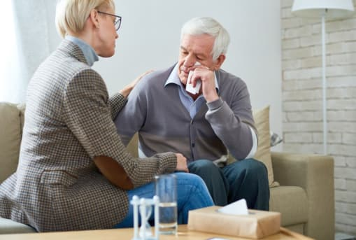 Ways to Deal with the Loss of an Aging Loved One